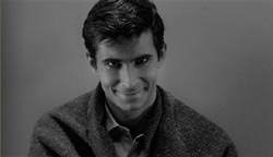 Anthony Perkins (Norman Bates), en Psicosis
